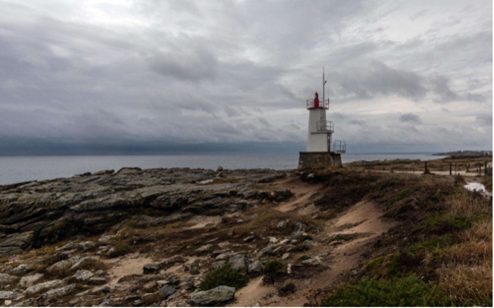 Photographie du phare de Kerroch Lomener à Ploemeur dans le Morbihan